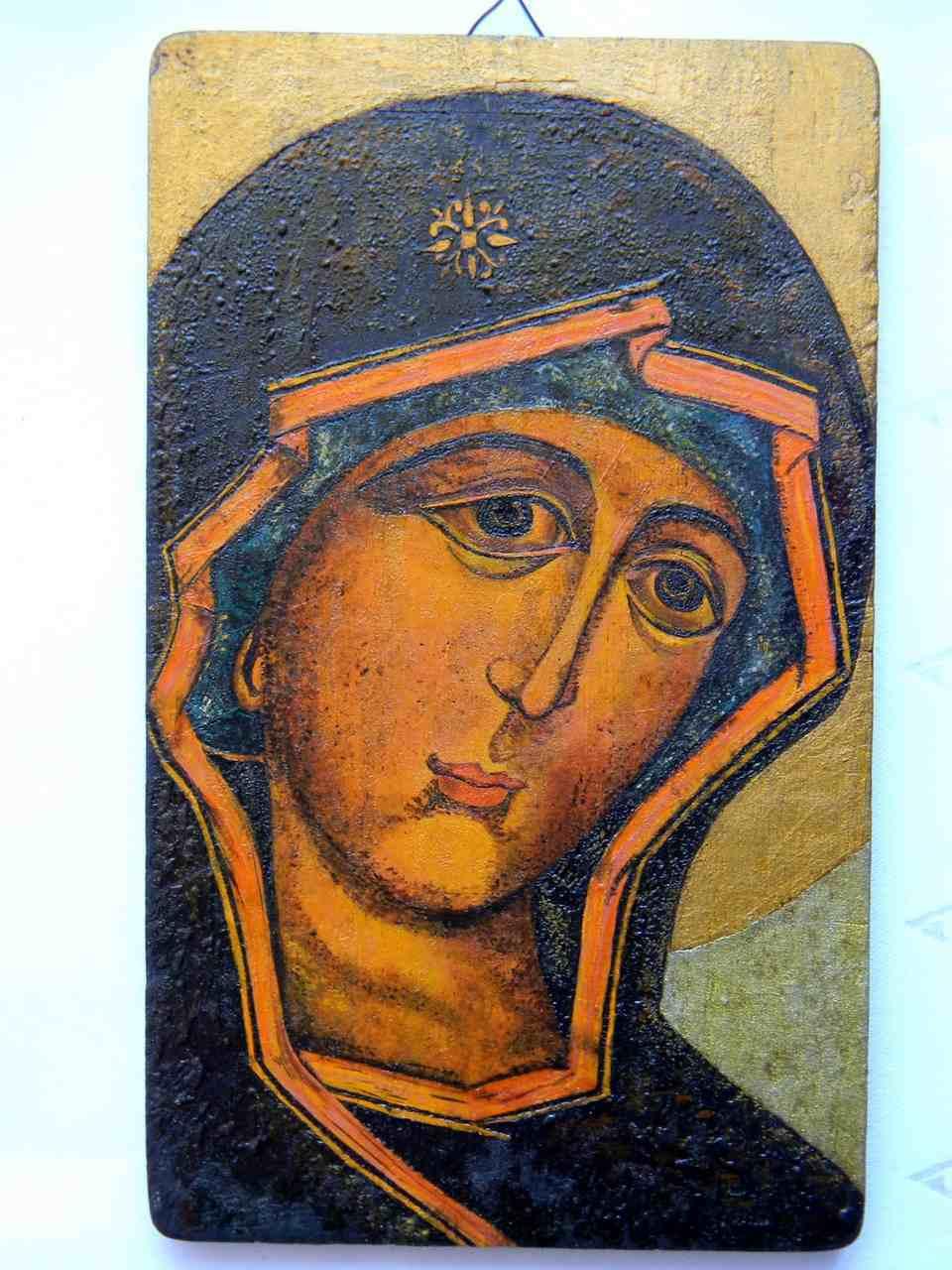 Beata Sztark - MATKA BOSKA TICHWIŃSKA, drewno tekowe, olej- 19,5 x 12